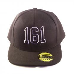161 - schwarzes Cap mit 3D-Stick