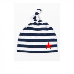 blau-weiße Babymütze geringelt mit rotem Stern
