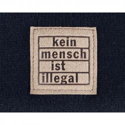 """Beanie """"Kein Mensch ist illegal"""" mit  Kunstleder Patch braun"""